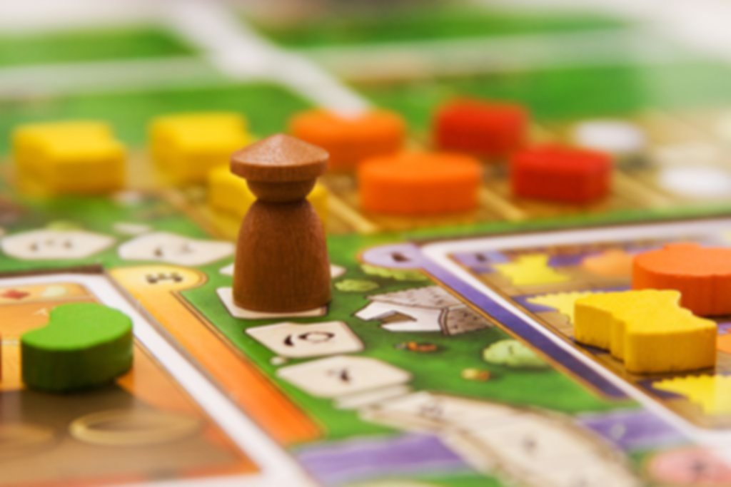 At the Gates of Loyang gameplay