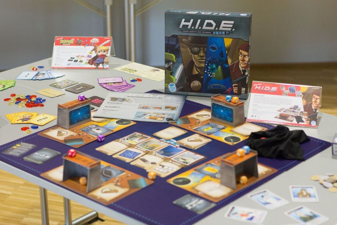 H.I.D.E.: Hidden Identity Dice Espionage components
