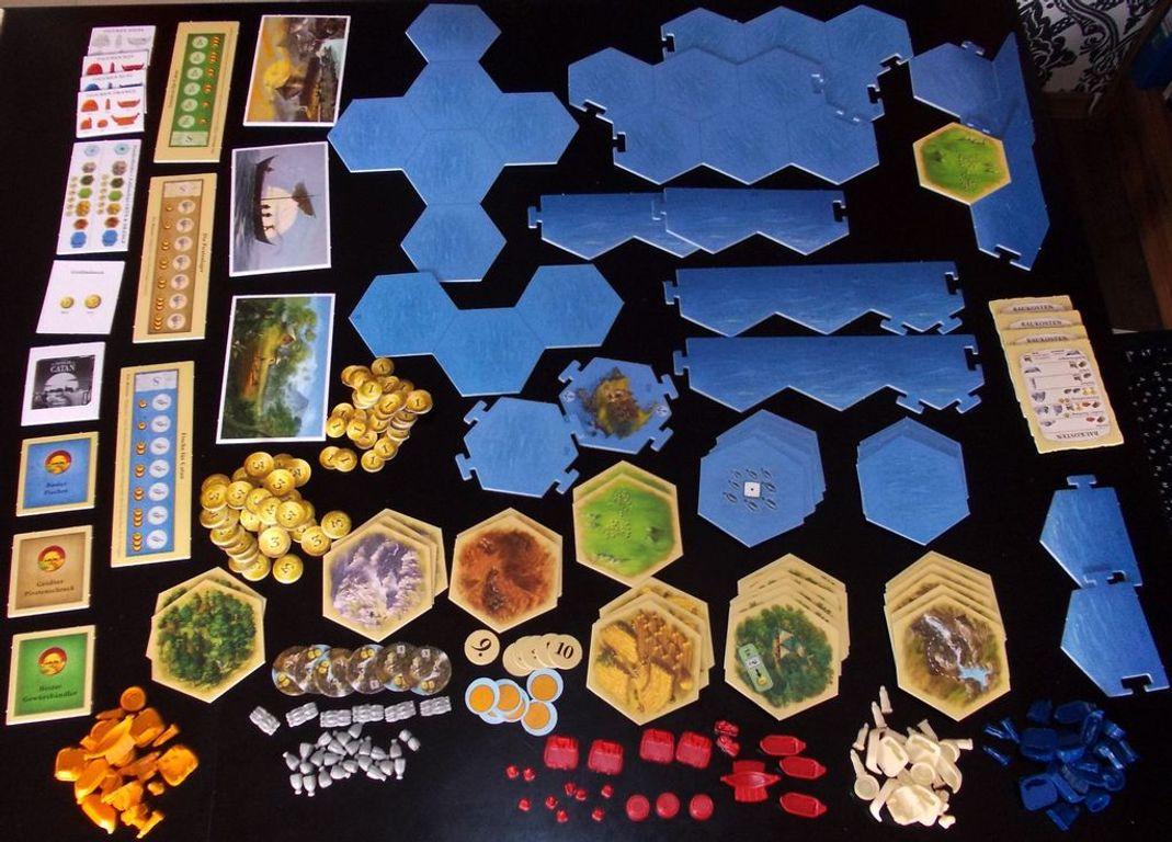 Catan: Explorers & Pirates components