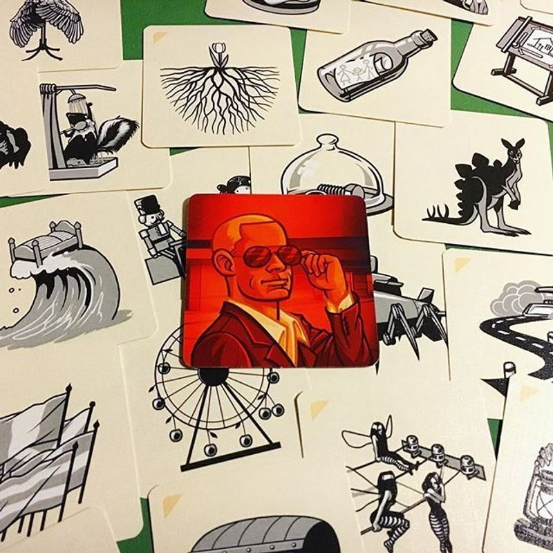 Codenames: Pictures cards