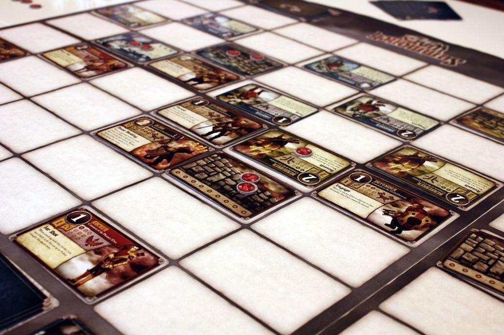 Summoner Wars gameplay