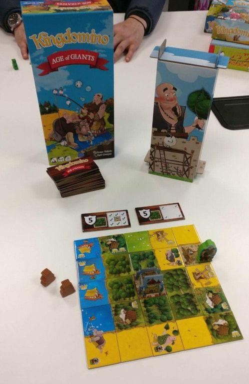Kingdomino: Age of Giants components