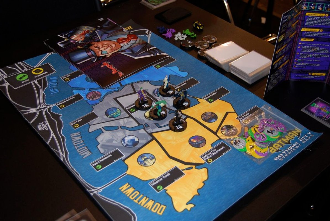 Batman: Gotham City Strategy Game gameplay