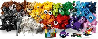 LEGO® Classic Bricks and Eyes components