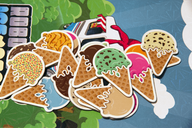 Robots Love Ice Cream: The Card Game components