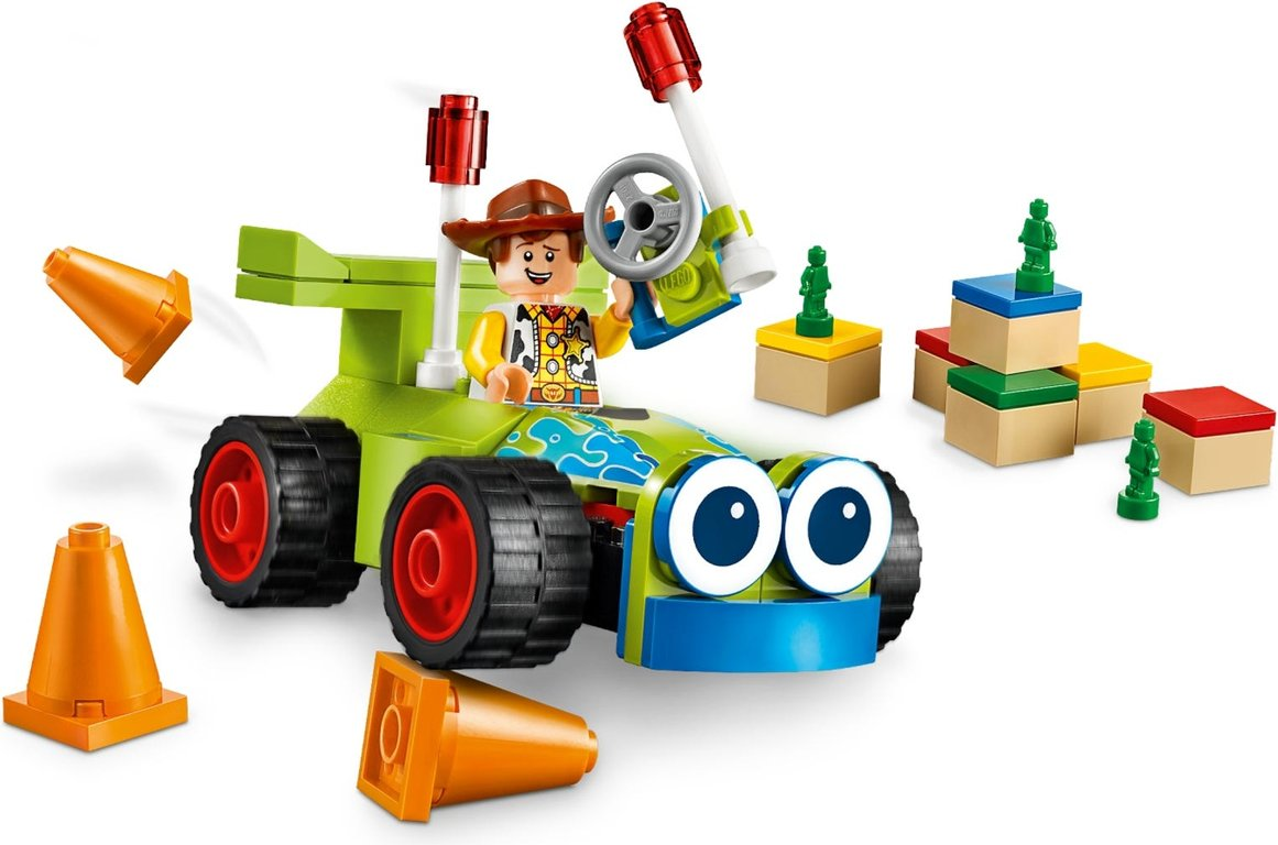 LEGO® Toy Story Woody & RC gameplay