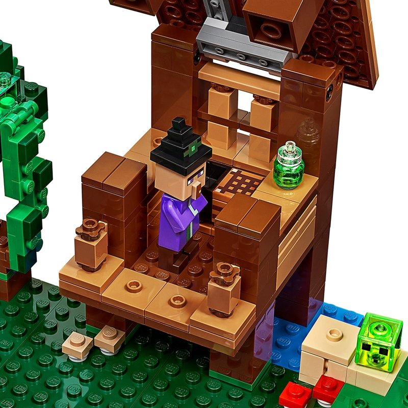 The Witch Hut minifigures