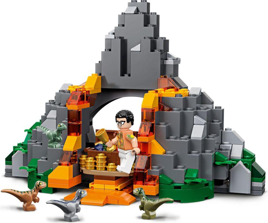 LEGO® Jurassic World T. rex vs Dino-Mech Battle components