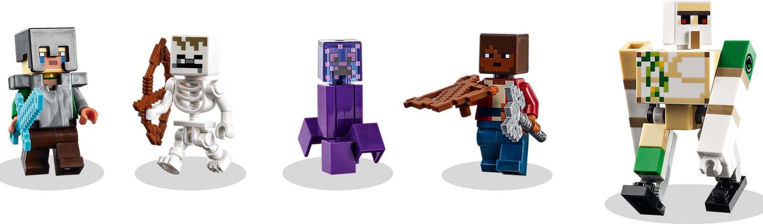 LEGO® Minecraft The Jungle Abomination minifigures
