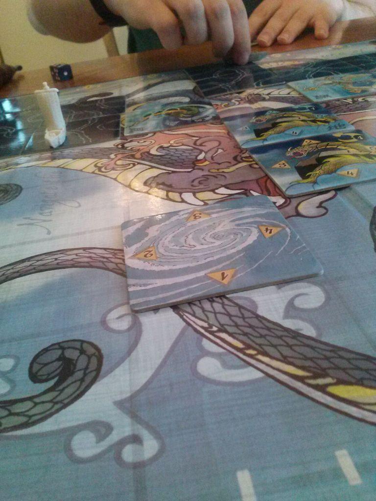 Tsuro of the Seas: Veterans of the Seas gameplay