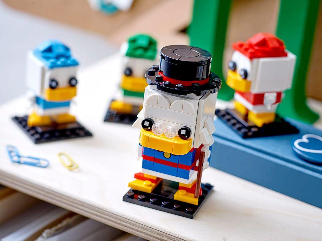 LEGO® BrickHeadz™ Scrooge McDuck with Huey, Dewey & Louie gameplay