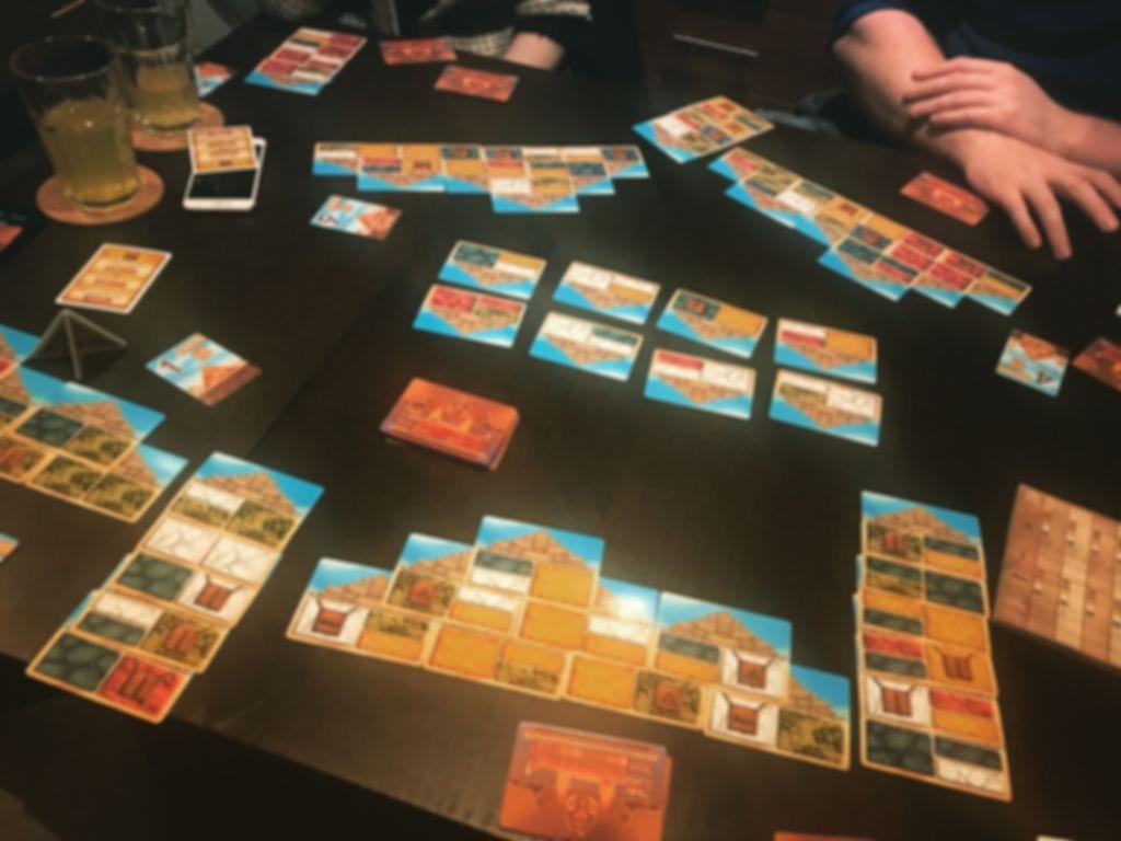 Pyramids gameplay