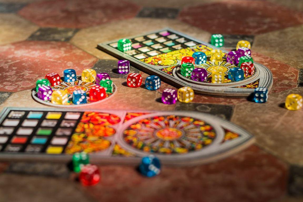 Sagrada: 5 & 6 Player Expansion components