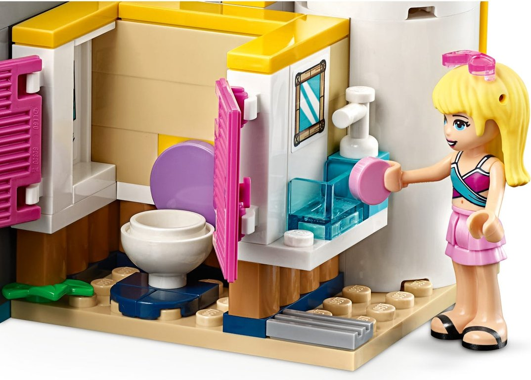 LEGO® Friends Andrea's Pool Party interior