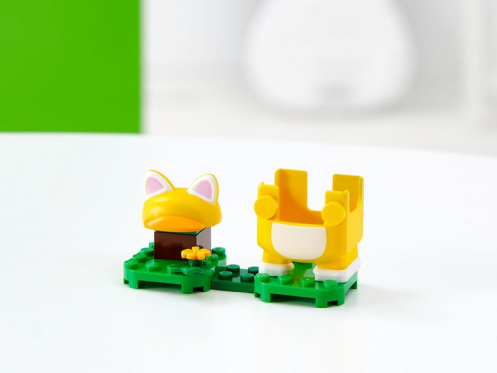 Cat Mario Power-Up Pack components
