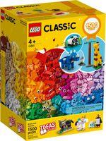 LEGO® Classic Bricks and Animals