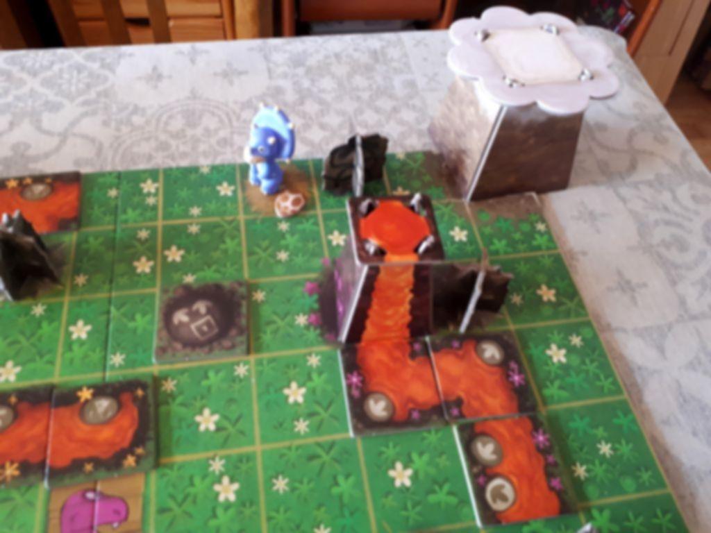SOS Dino gameplay