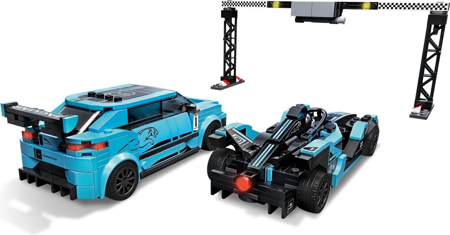 LEGO® Speed Champions Formula E Panasonic Jaguar Racing GEN2 car & Jaguar I-PACE eTROPHY back side