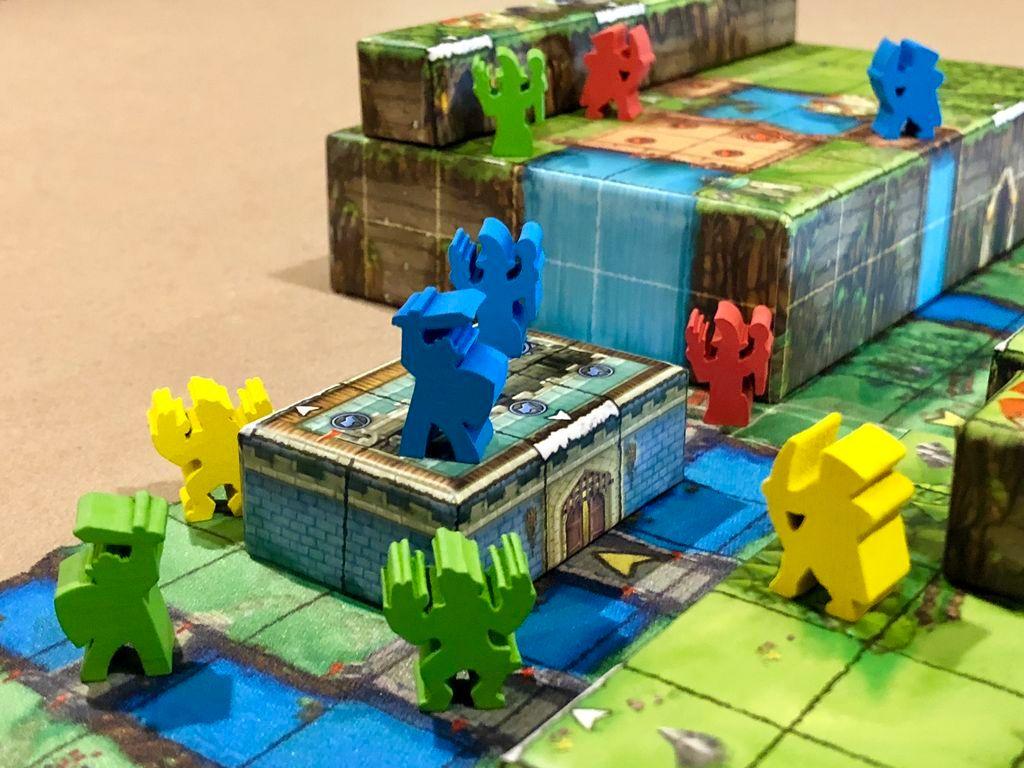 Tiny Epic Tactics gameplay