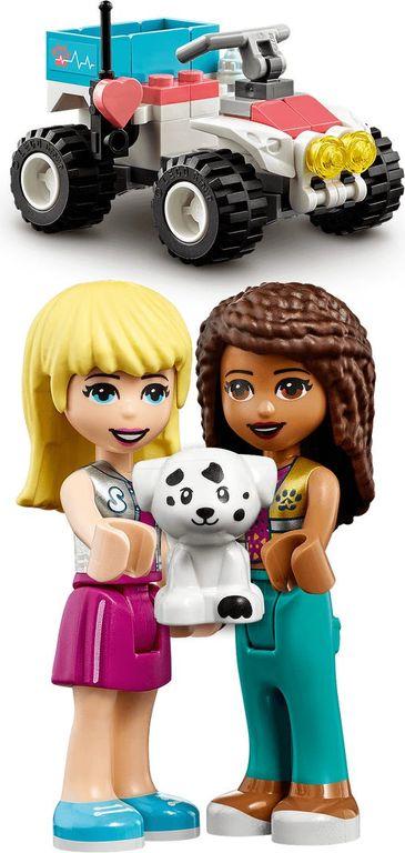 LEGO® Friends Vet Clinic Rescue Buggy minifigures