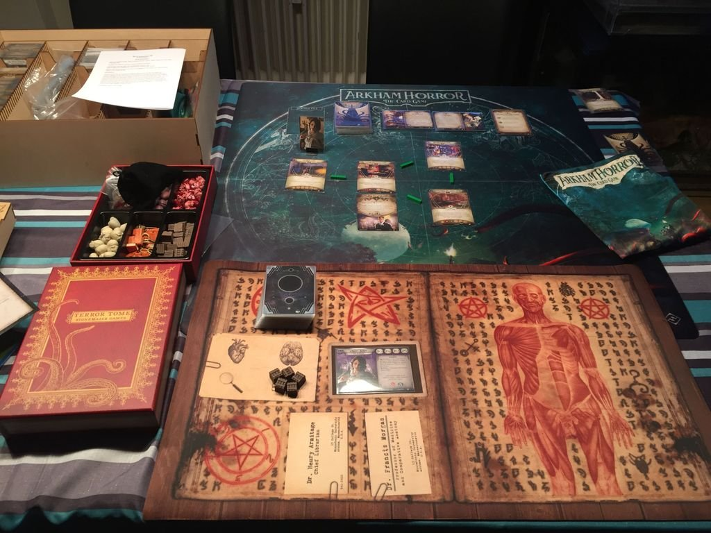 Arkham Horror: The Card Game - The Dunwich Legacy gameplay