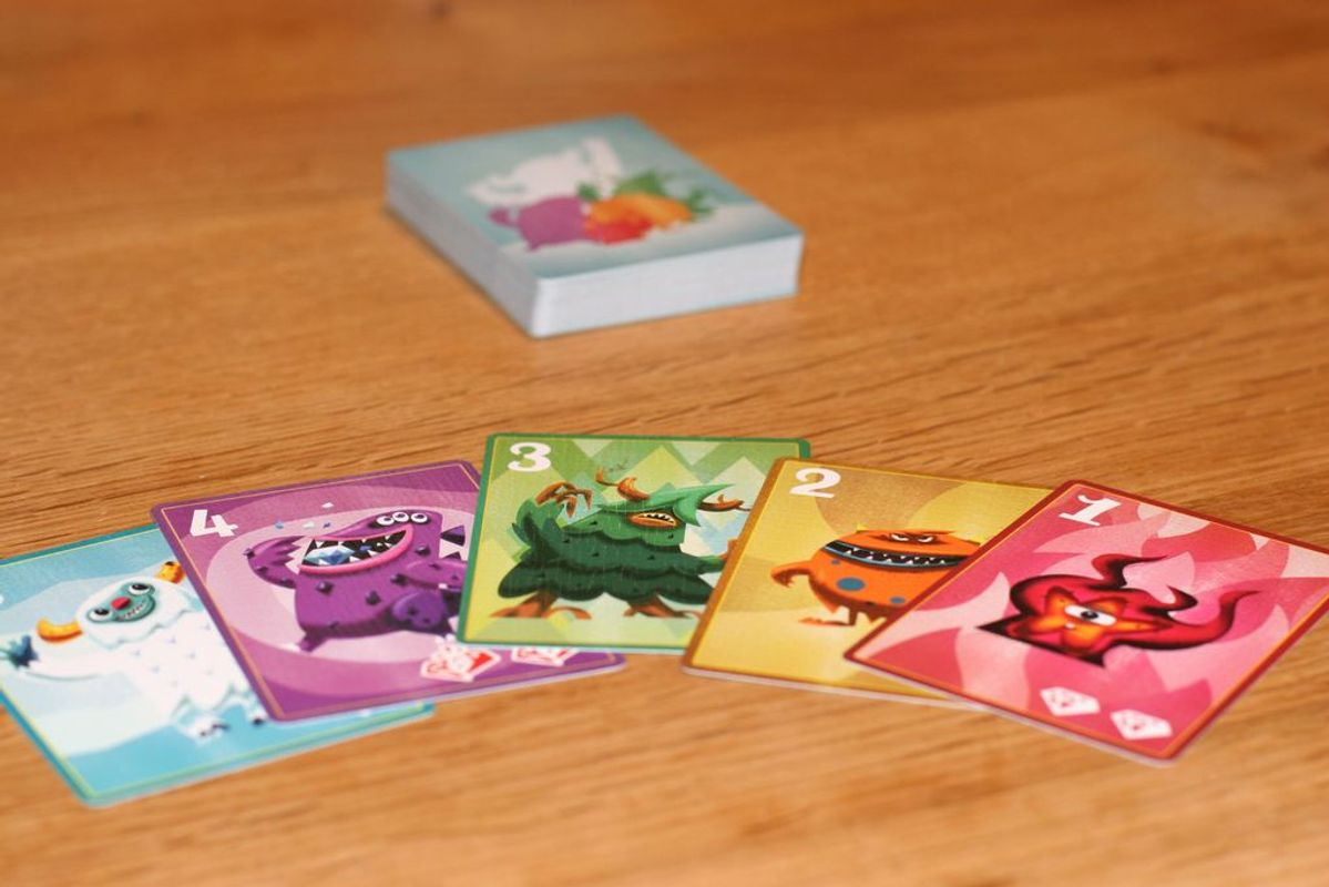 Diamonsters cards
