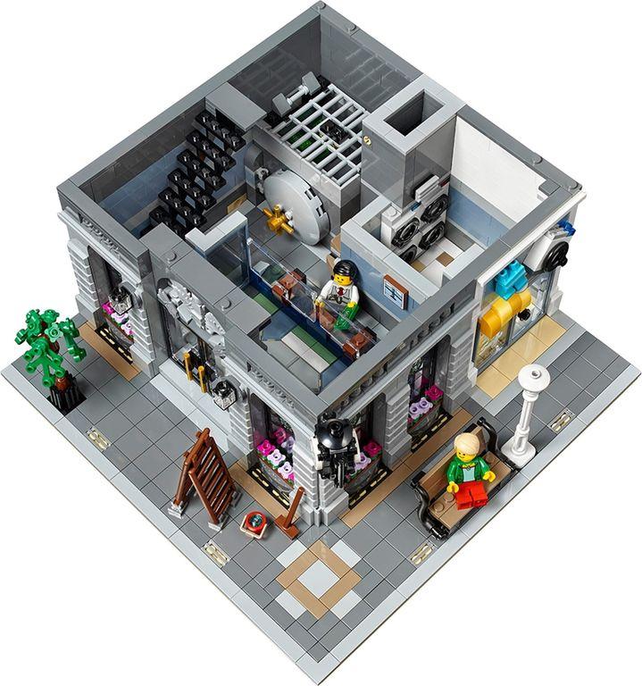 LEGO® Creator Expert Brick Bank interior