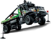 LEGO® Technic 4x4 Mercedes-Benz Zetros Trial Truck gameplay