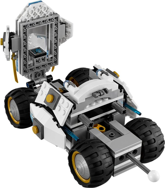 LEGO® Ninjago Titanium Ninja Tumbler components