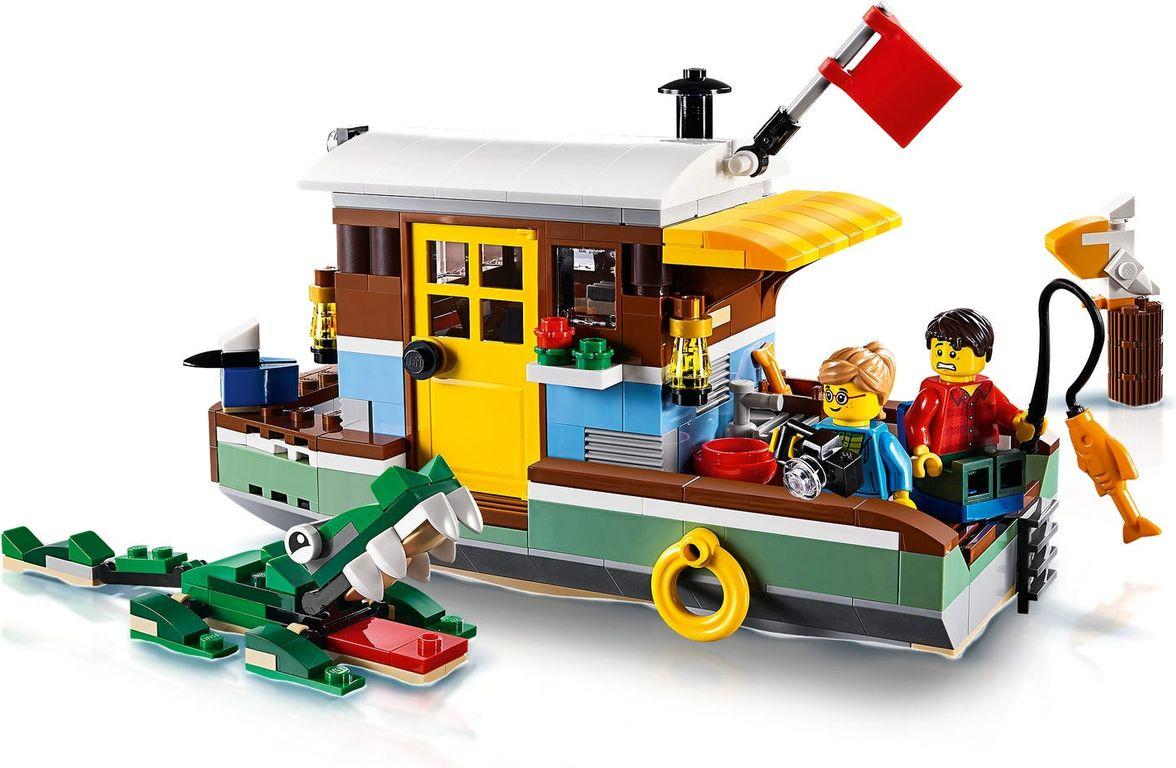 Riverside Houseboat gameplay