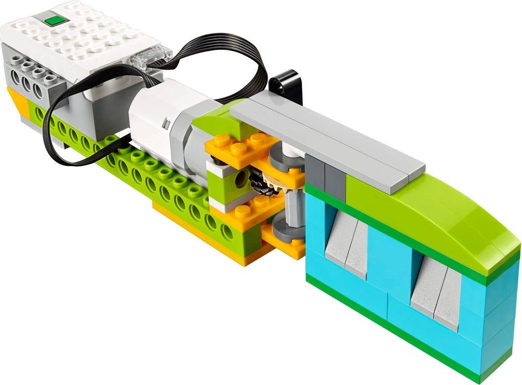 LEGO® Education WeDo 2.0 Core Set components