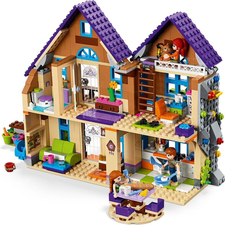 Mia's House interior