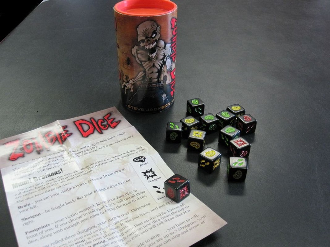 Zombie Dice components