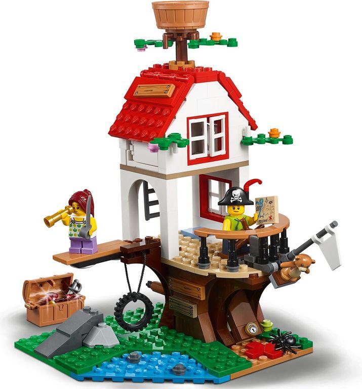 LEGO® Creator Treehouse Treasures gameplay