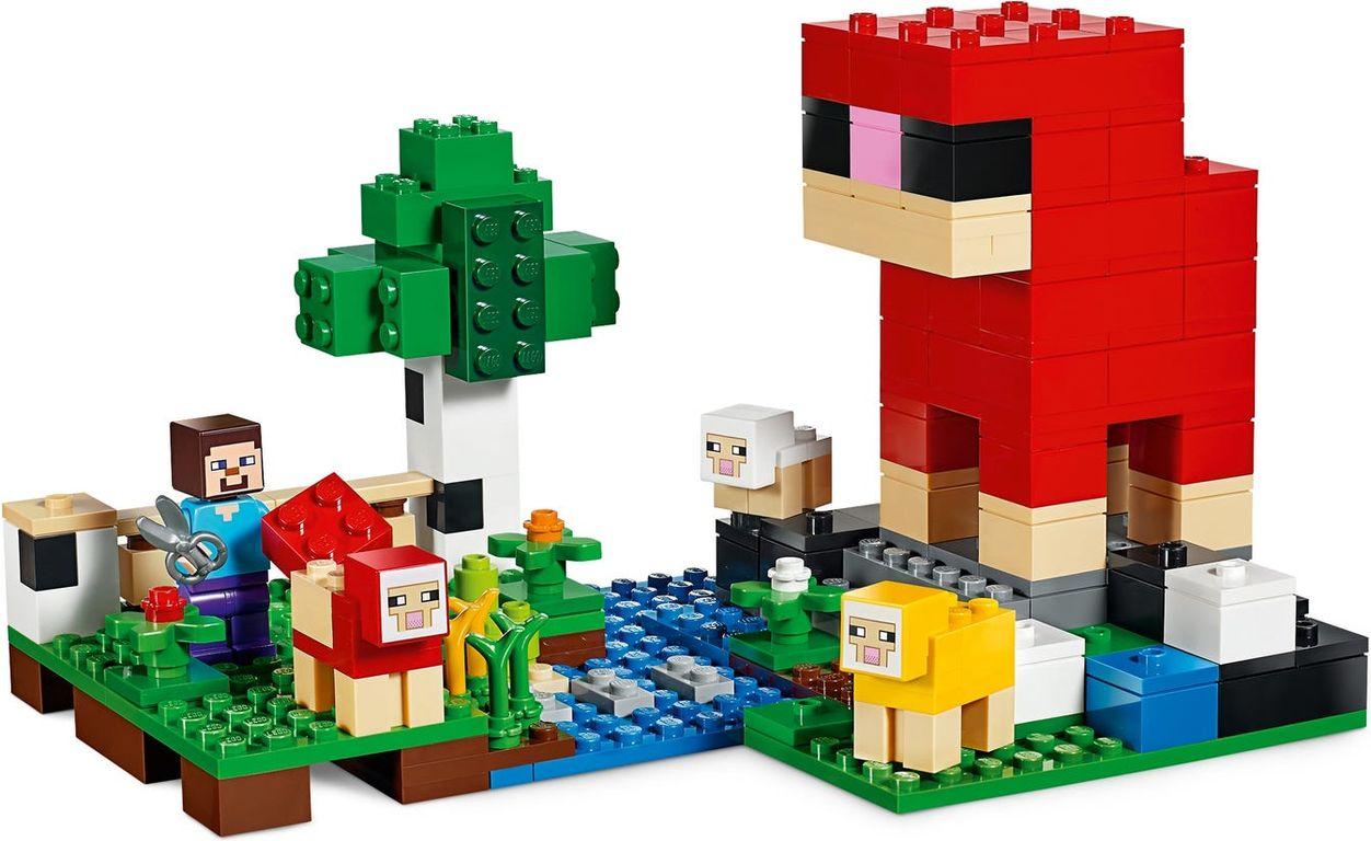 LEGO® Minecraft The Wool Farm gameplay