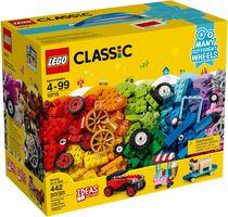 LEGO® Classic Bricks on a Roll