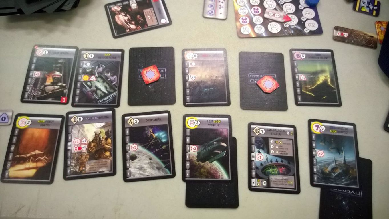 Race for the Galaxy: Xeno Invasion gameplay