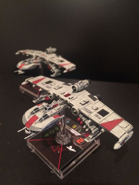 Star Wars: X-Wing Miniatures Game - K-wing Expansion Pack miniatures