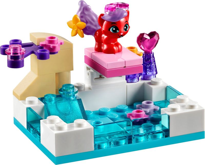 LEGO® Disney Princess Treasure's Day at the Pool components