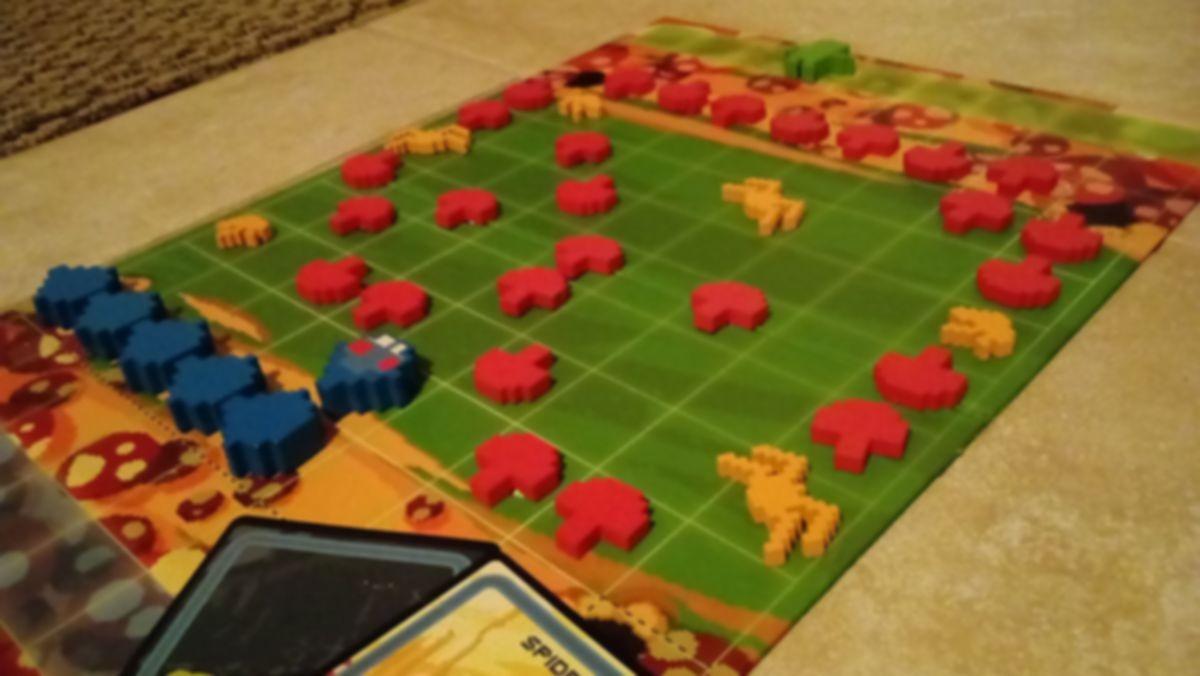 Centipede gameplay