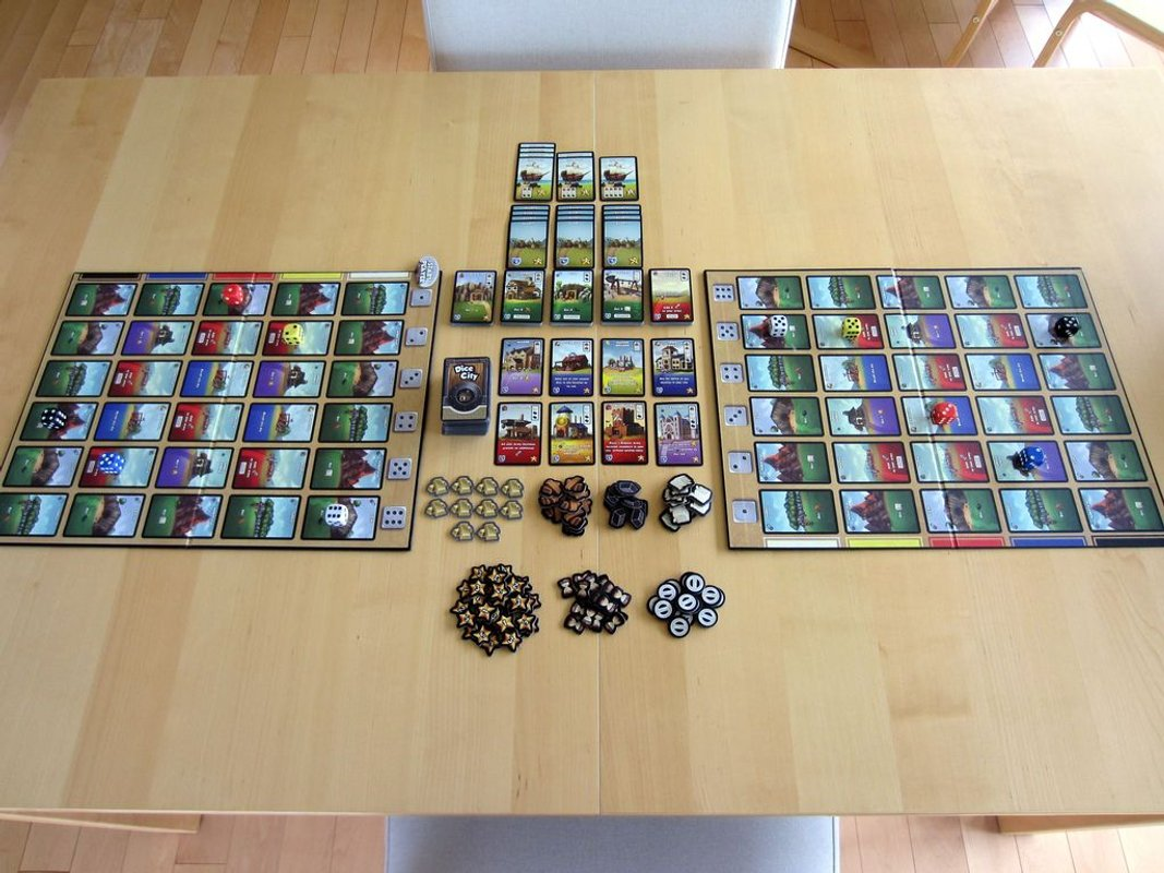 Dice City: All That Glitters components