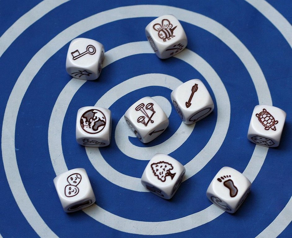 Rory's Story Cubes gameplay