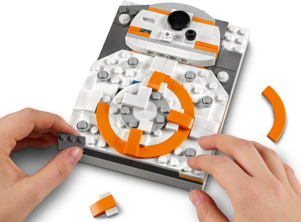 LEGO® Brick Sketches™ BB-8™ gameplay