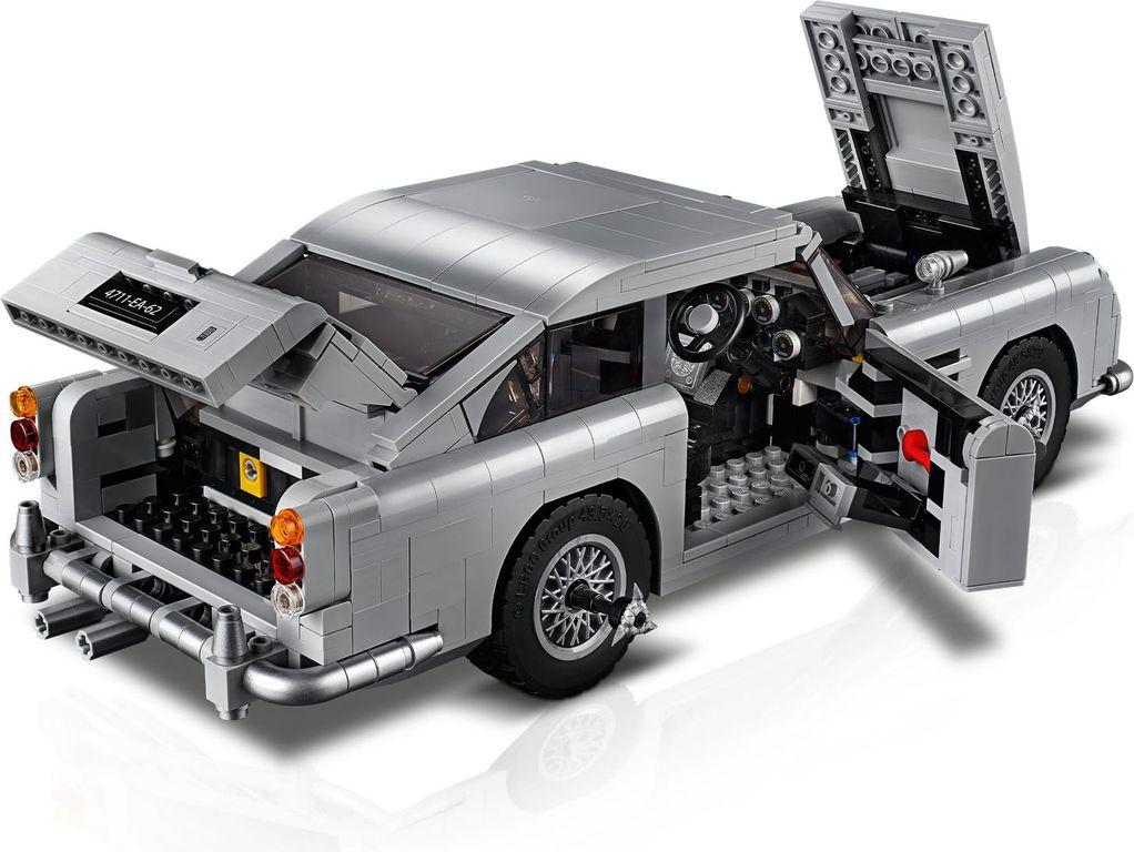 James Bond™ Aston Martin DB5 interior