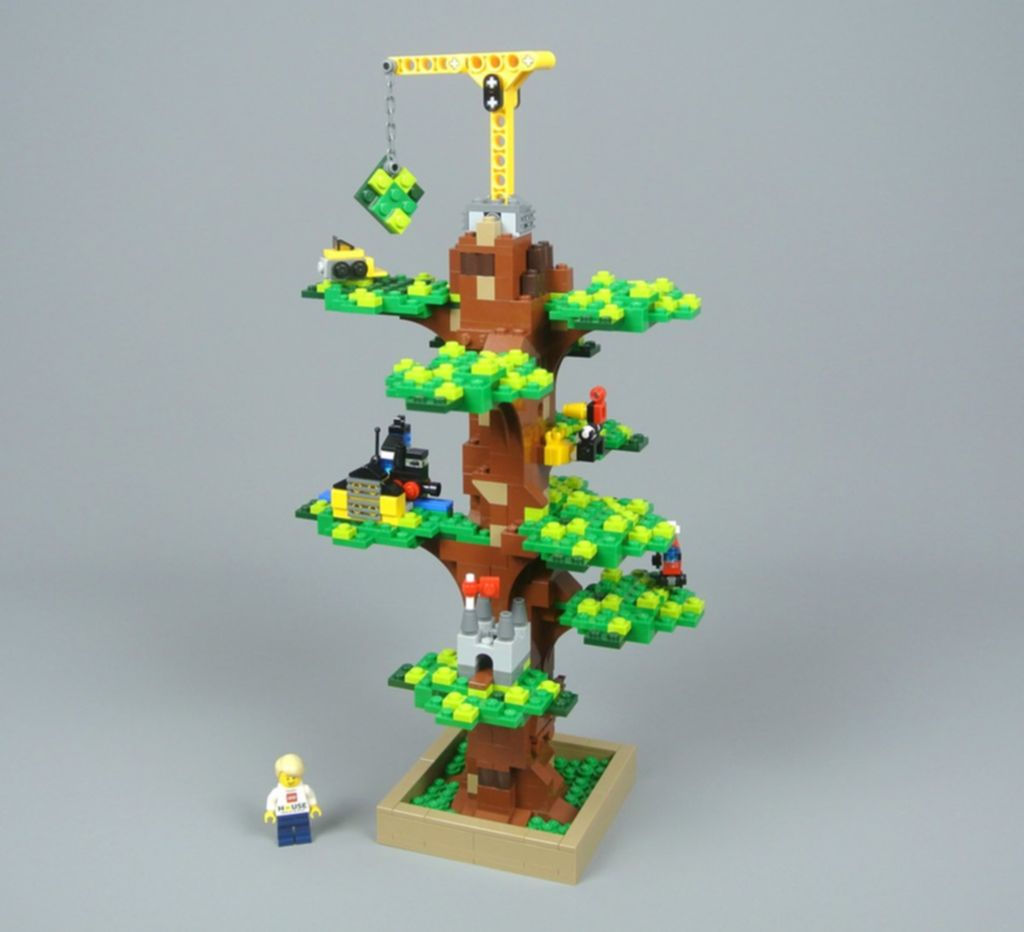 LEGO® Promotions Lego House Tree of Creativity components