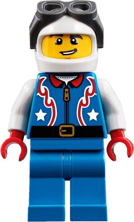 LEGO® Creator Daredevil Stunt Plane minifigures