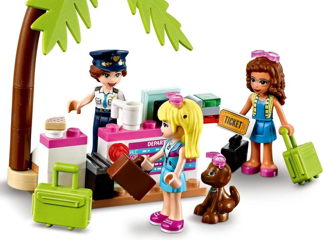 LEGO® Friends Heartlake City Airplane minifigures