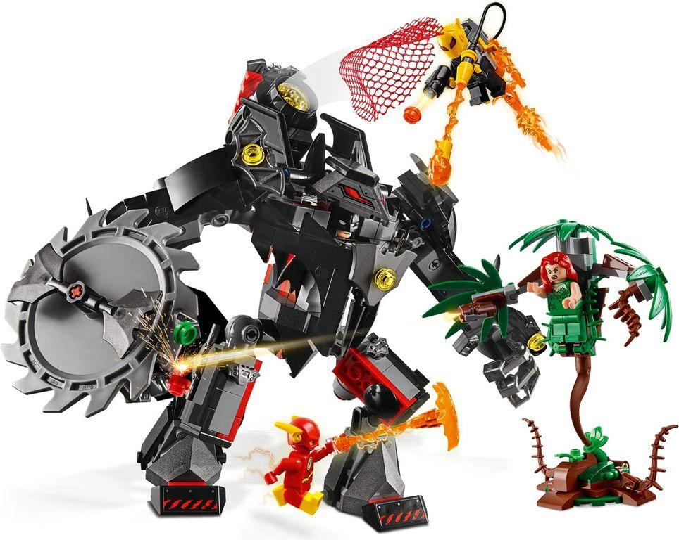 LEGO® DC Superheroes Batman™ Mech vs. Poison Ivy™ Mech gameplay