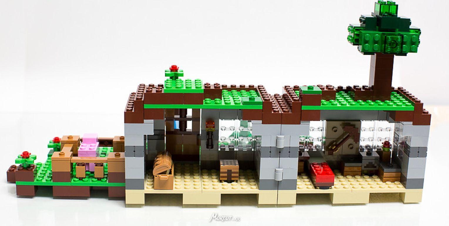 LEGO® Minecraft The First Night interior