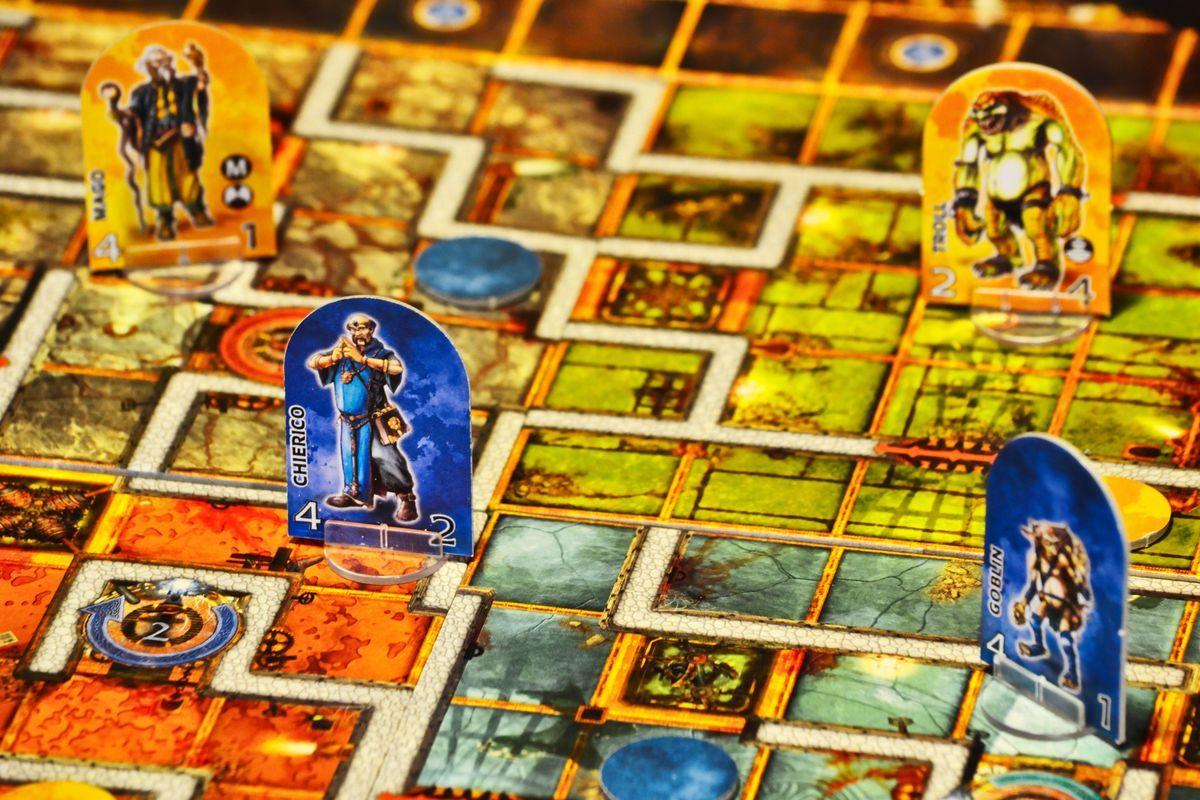 Dungeon Twister gameplay